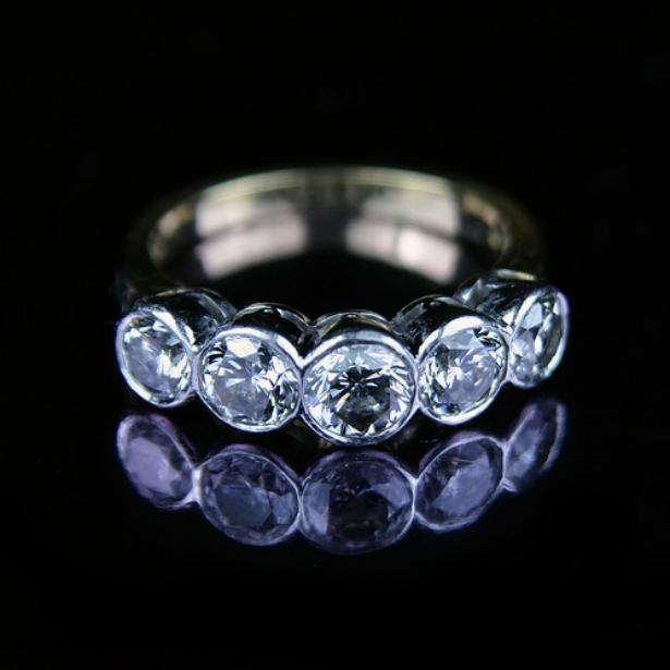 Бриллиантовые кольца фото 6