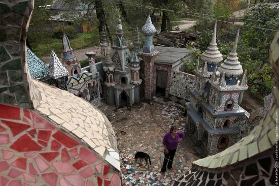 Декоративные замки в саду