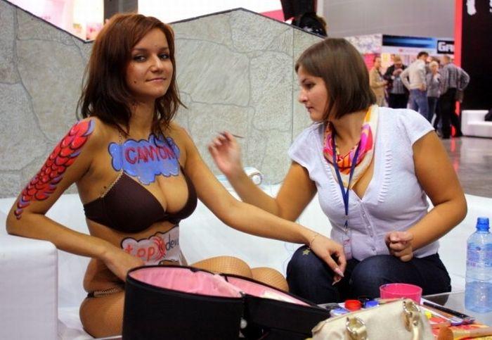 Секси девушки на игромире
