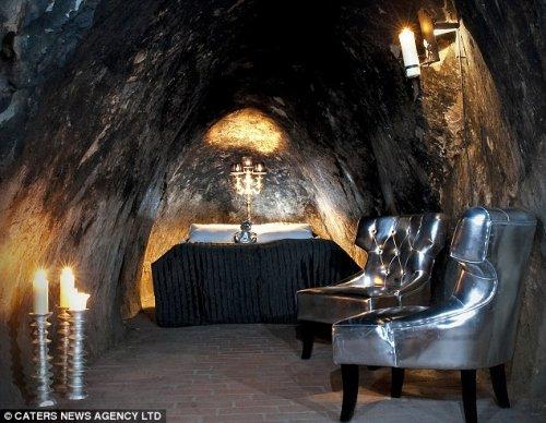 Подземный отель в Швейцарии