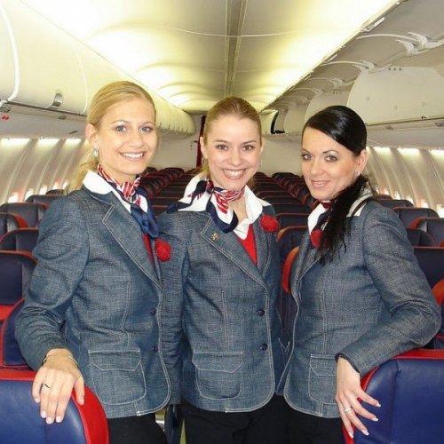 Стюардессы в разных странах мира