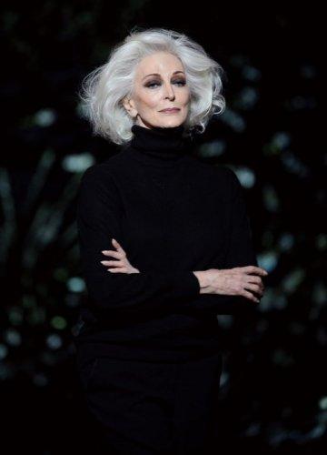 80-летняя модель с самой долгой карьерой