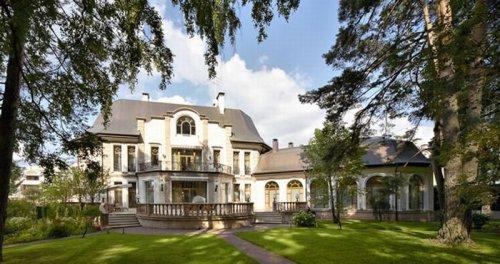 Роскошные интерьеры домов на Рублевке