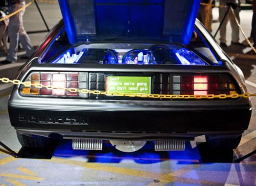 DeLorean возвращается в 2013 году