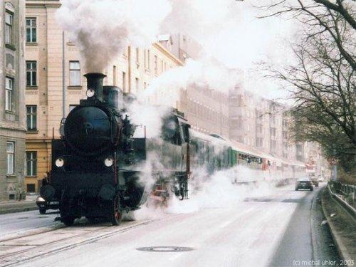 Старые поезда в наши дни