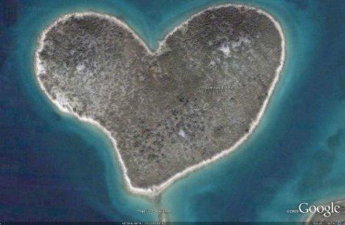 Острова интересной формы