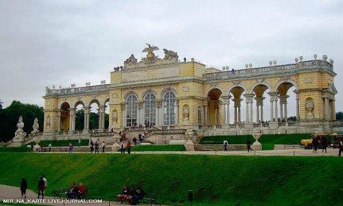Венский дворец Шенбрунн