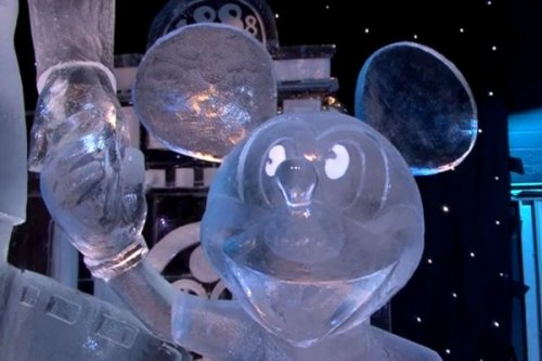 Фестиваль скульптур из льда и снега в Брюгге