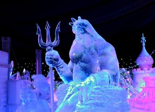 Фестивале скульптур из льда и снега в Брюгге