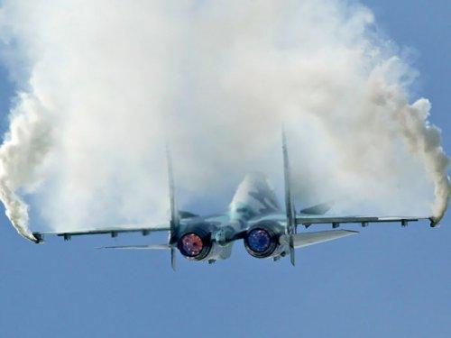"""Самолеты авиастроительной компании """"Сухой"""""""