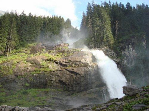 Самый высокий водопад Европы