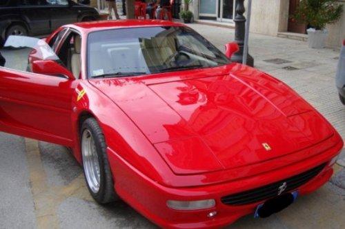 ���������, ������������ ���� Pontiac � Ferrari ������� � ��������� ��������� ����
