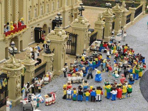 События 2011 года в мире LEGO
