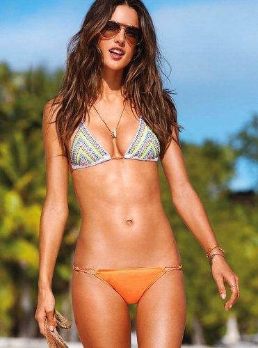 Алессандра Амбросио в рекламе купальников