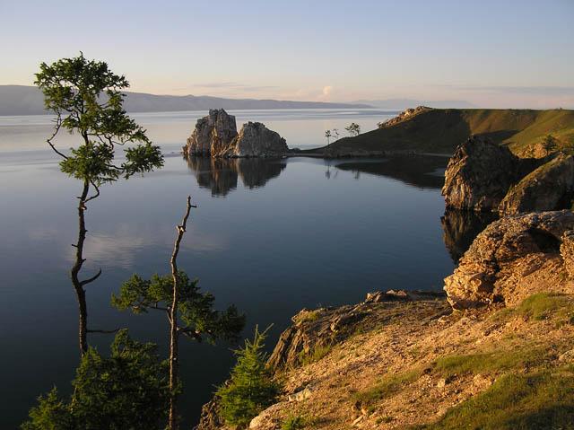 Ученые и экологи из космоса изучили тектонические процессы, происходящие на дне Байкала, в частности...