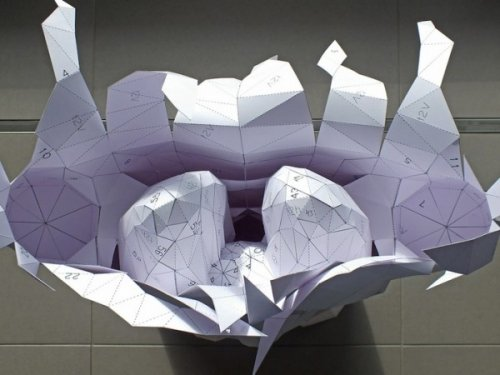 Геометрическое туловище из бумаги