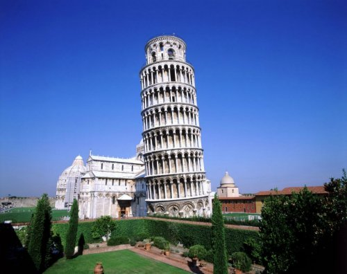 Топ-10: Самые известные падающие башни