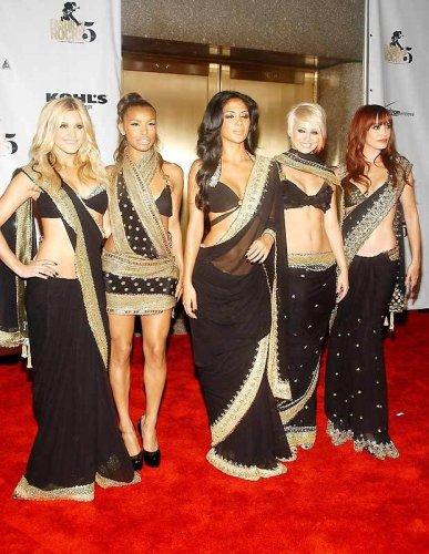 Знаменитости в индийском сари
