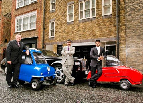 Самая маленькая машина в мире вернулась