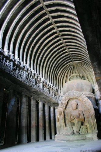 Храм-пещера в Эллоре