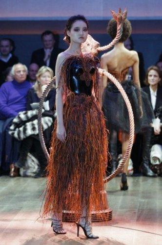 Самые провальные наряды на неделе мод в Париже