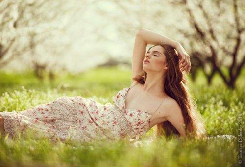 Красивые девушки и природа