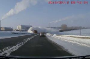 Как правильно чистить трассу от снега