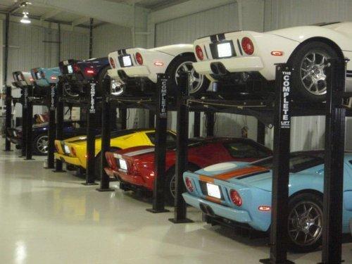Скромная коллекция автомобилей