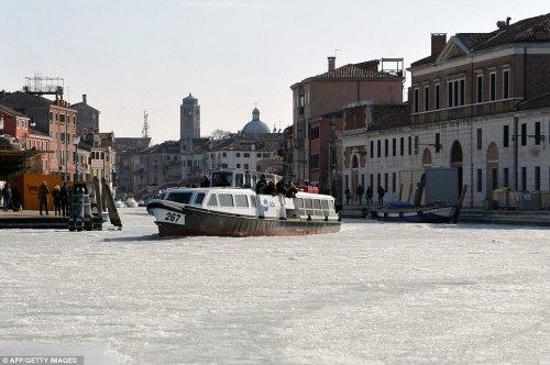 Замерзшие венецианские каналы