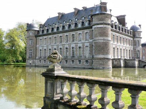 20 самых красивых замков на воде