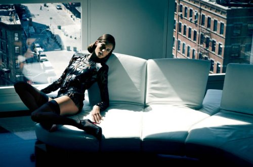 Алессандра Амбросио для журнала Vogue Brazil