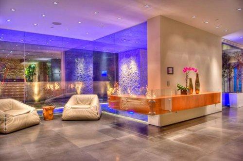 Трехэтажный роскошный особняк в Лос-Анджелесе