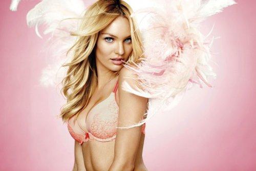 Кэндис Свейнпол в рекламе Victoria's Secret