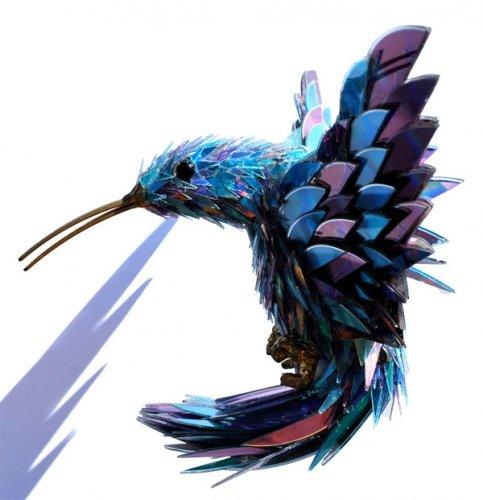 Удивительные животные из поломанных CD-дисков
