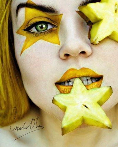 Автопортреты 16-летней девочки