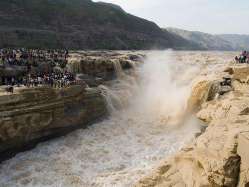 Водопад Хукоу