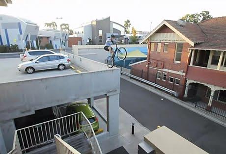 Паркур на велосипеде