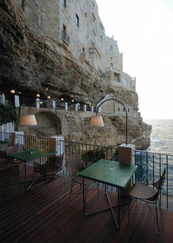 Ресторан в пещере