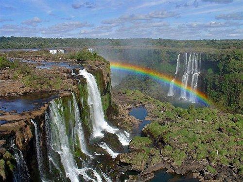 Водопад Игуасу - достопримечательность на границе двух стран