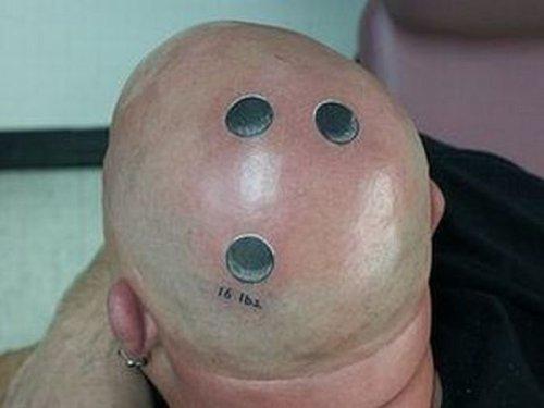 Странные и нелепые татуировки (30 фото)