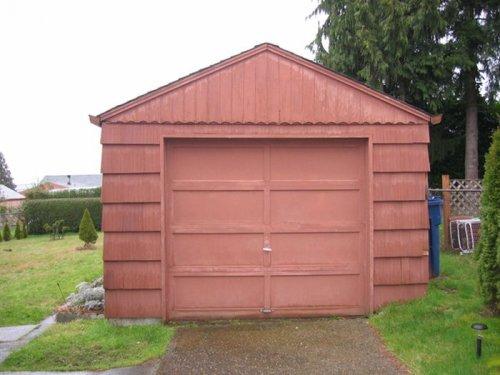 Что можно сделать с не нужным и старым гаражом?