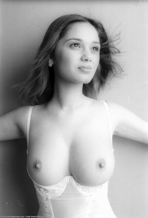 фото грудь эро