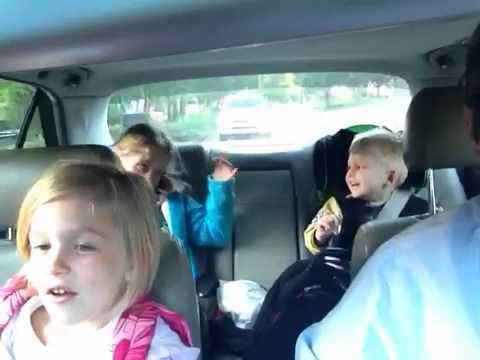 Как весело провести время по дороге в школу