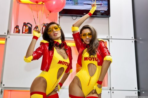 """Девушки с выставки """"Мото Парк 2012"""""""