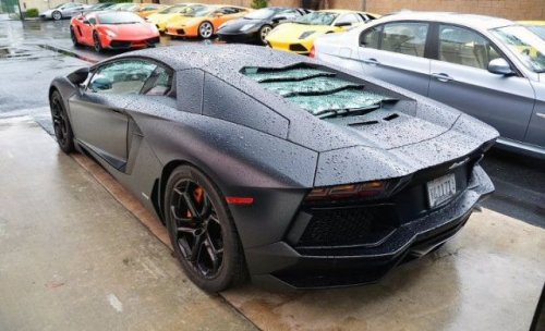 Lamborghini Aventador загорелся во время тест-драйва