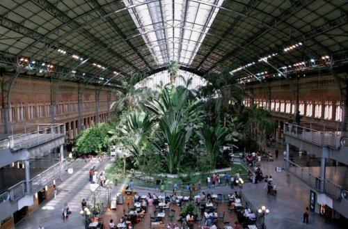 Топ 10: Самые удивительные железнодорожные станции