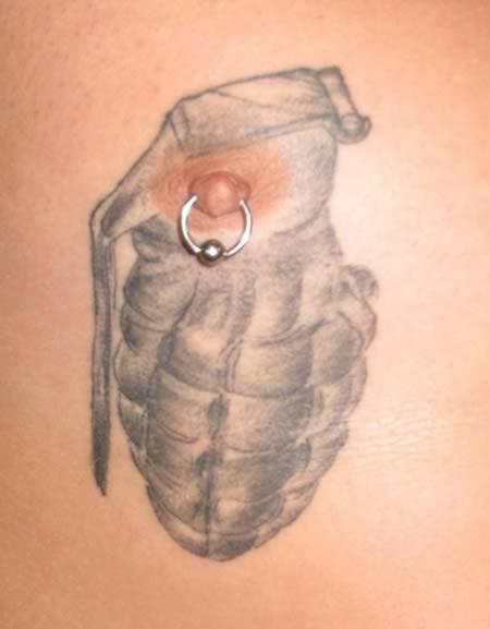 Татуировки вокруг сосков