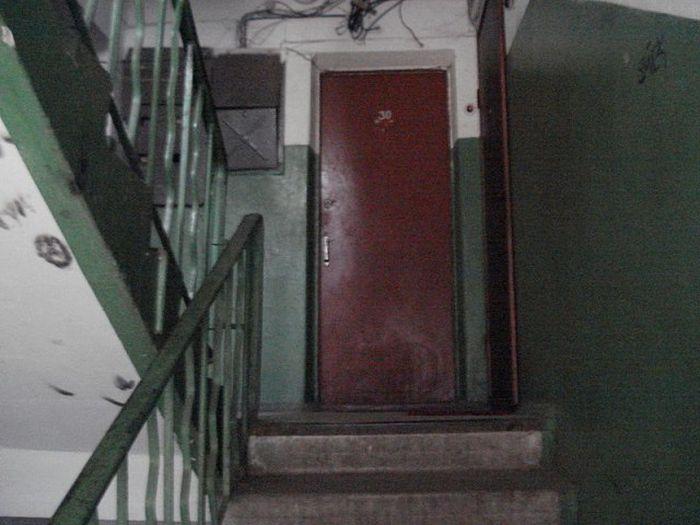 Житель Апатитов так хотел общения, что вломился в чужую квартиру