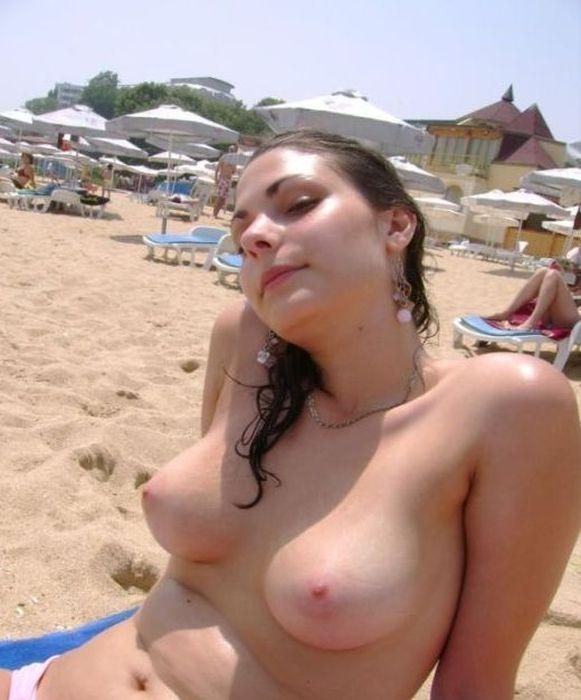 сосет на пляже русские студенты