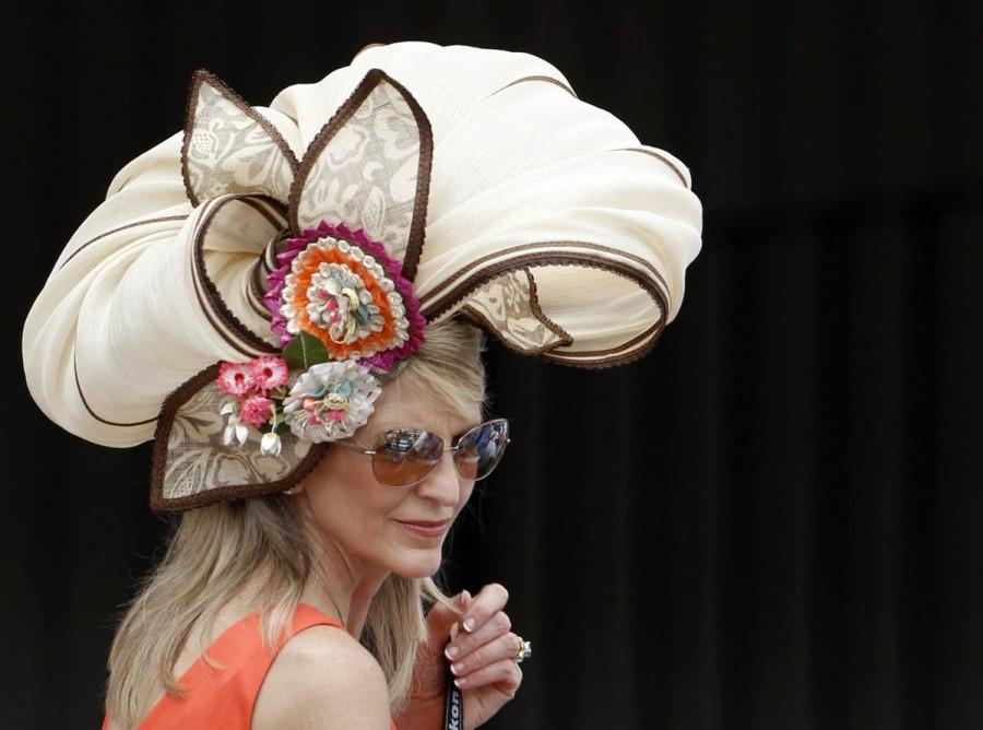 пожалела картинки необычных шляп подбородка представляет